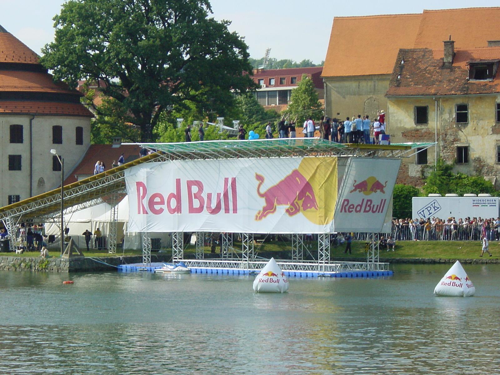Red Bull, спортивные мероприятия на воде